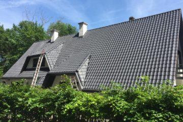 Pose d'un hydrofuge sur toiture